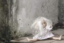Oikos apresenta exposição fotográfica sobre Tráfico de Seres Humanos e Exploração Laboral