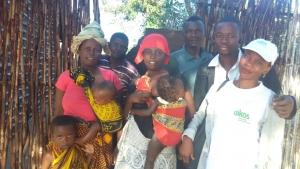 Oikos chega a comunidades isoladas em Moçambique para assistência alimentar de 3000 pessoas