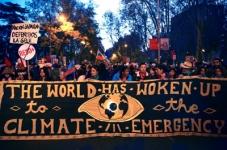 """Marcha pelo clima em Madrid """"A mudança está a chegar. Quer queiram quer não"""""""